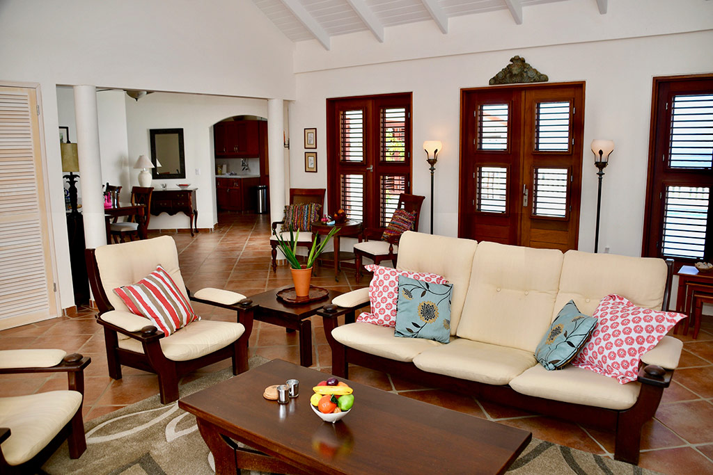 casa caribe living room