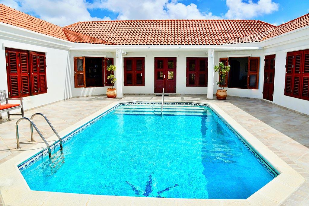casa caribe pool