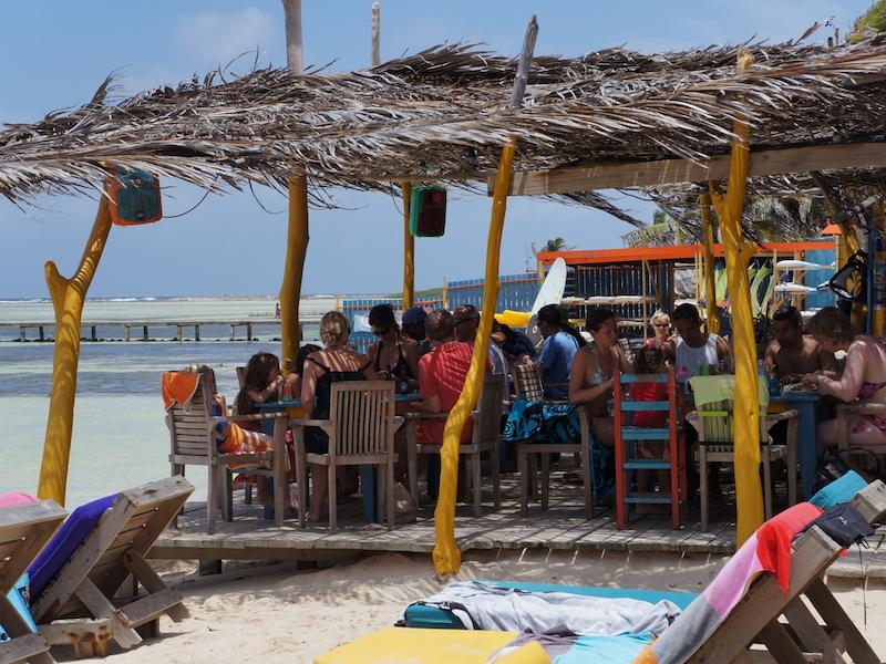 Hangout-bar-bonaire-1