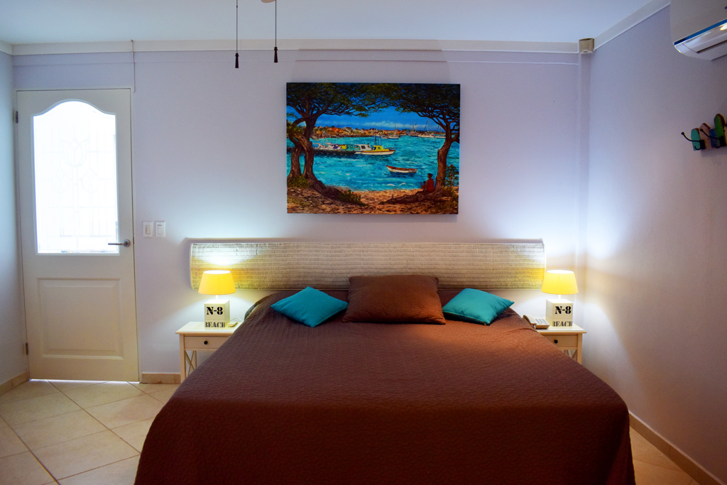 den laman barracuda oceanfront apartment